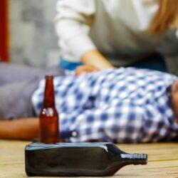 Алкогольное отравление: признаки и что с этим делать?